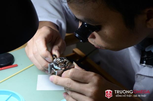 Lưu ý về chính sách bảo hành đồng hồ Thụy Sĩ chính hãng