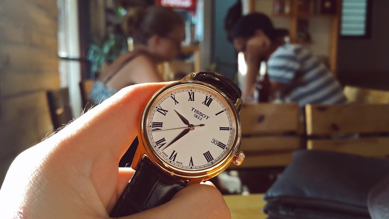 đồng hồ Tissot quartz
