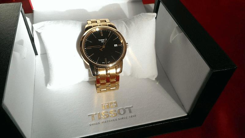 đồng hồ mạ vàng bị phai màu