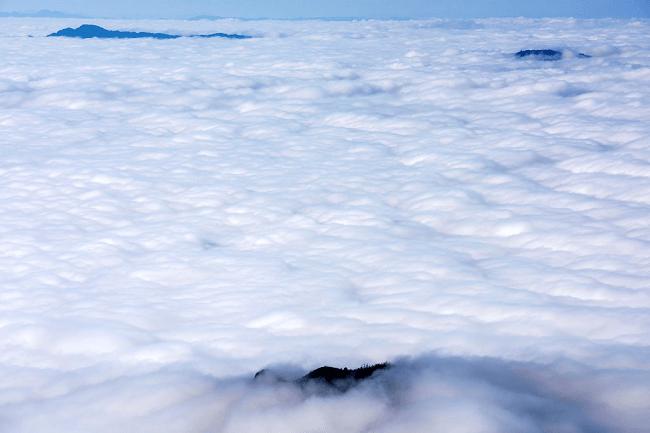 mây ở chiêu lầu thi