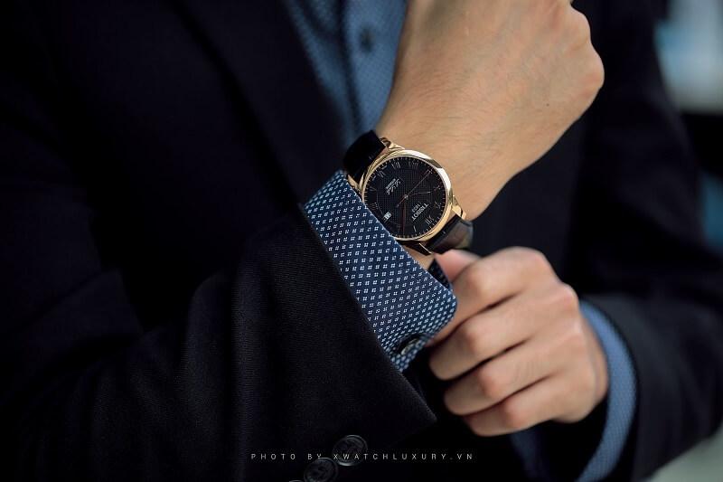 Tư vấn: Cổ tay nhỏ nên đeo đồng hồ gì cho phù hợp