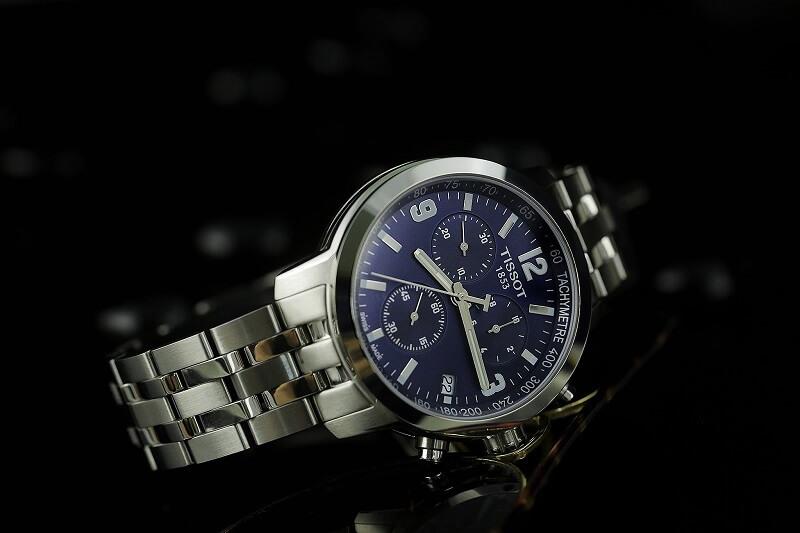 """Cảnh báo! Đồng hồ chính hãng tại Hà Nội có hoàn toàn """" chính hãng""""?"""
