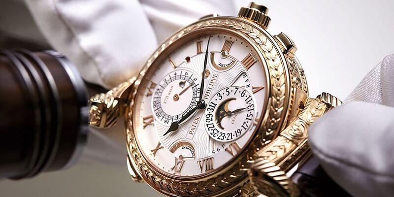 đồng hồ thụy sỹ mạ vàng