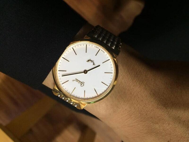 đồng hồ thụy sĩ mạ vàng
