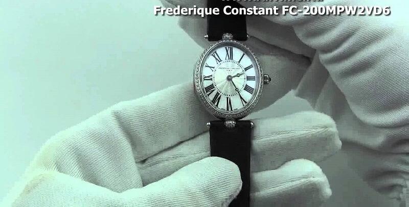 Chọn đồng hồ cho nữ tay nhỏ - khó mà dễ