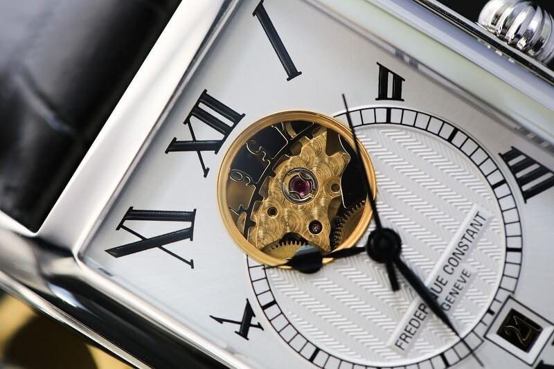 Trải nghiệm đẳng cấp từ đồng hồ đeo tay automatic Thụy Sĩ