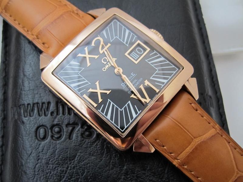 Những lý do nên chọn đồng hồ nam mặt vuông