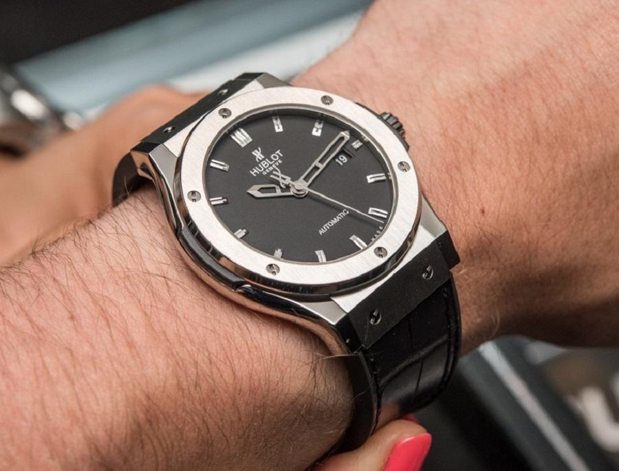 giá trị của các hãng đồng hồ nổi tiếng thế giới