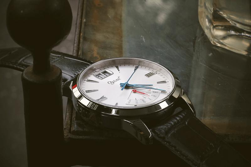Đánh giá độ hoàn thiện đồng hồ ogival