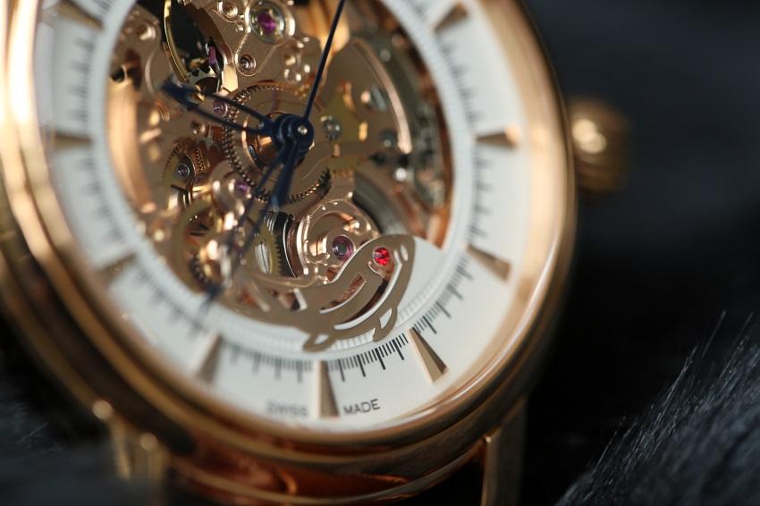 máy đồng hồ Ogival có tốt không