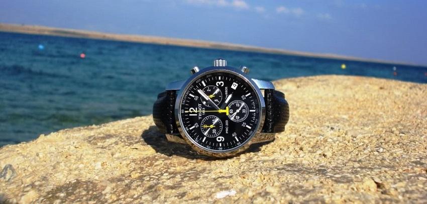 Lý do nên mua đồng hồ Tissot PRC200 chính hãng