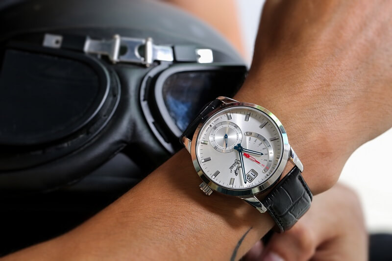 Đồng hồ Ogival Retrograde với nét đẹp thể thao khỏe khoắn
