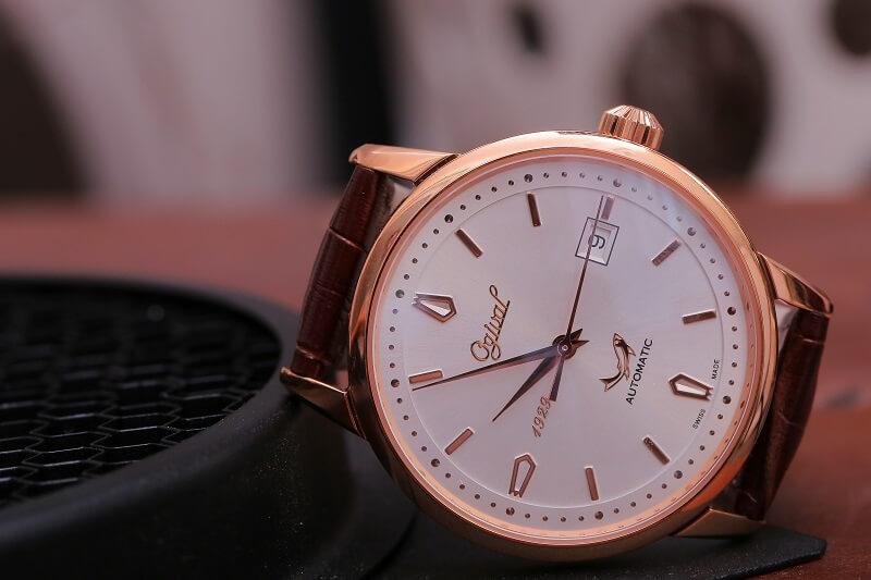 chân dung mẫu đồng hồ ogival cổ điển