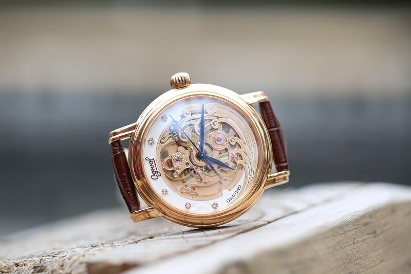 Sự kỳ công của đồng hồ Ogival Skeleton