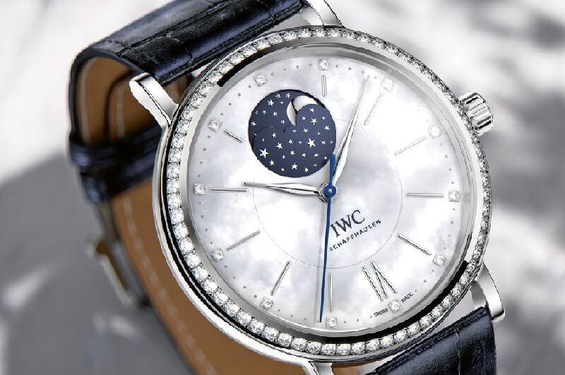 IWC moonphase lịch tuần trăng